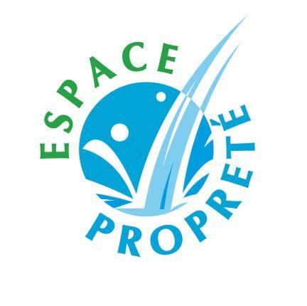 La société Espace Propreté est reprise par Muriel Fournier, et reçoit le prix « Lauriers René Maury ».