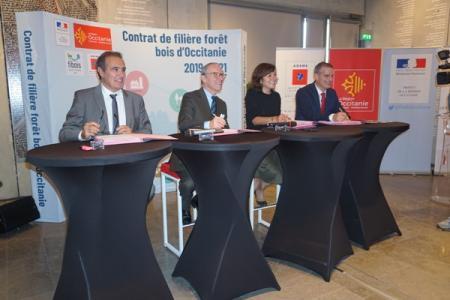 Signature du 1er contrat de filière forêt-bois d'Occitanie