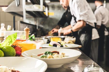 Soutien financier renforcé pour favoriser le recrutement de salariés en insertion dans les métiers de la restauration
